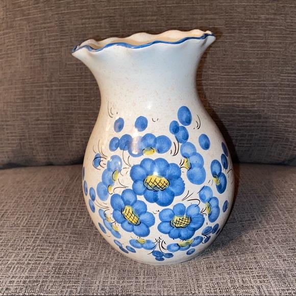 Vtg Italian Ceramic blue/white vase with flowers